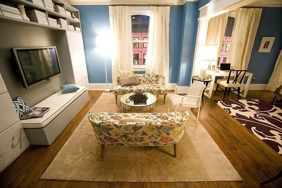 Carrie Bradshaw's Living Room Makeover