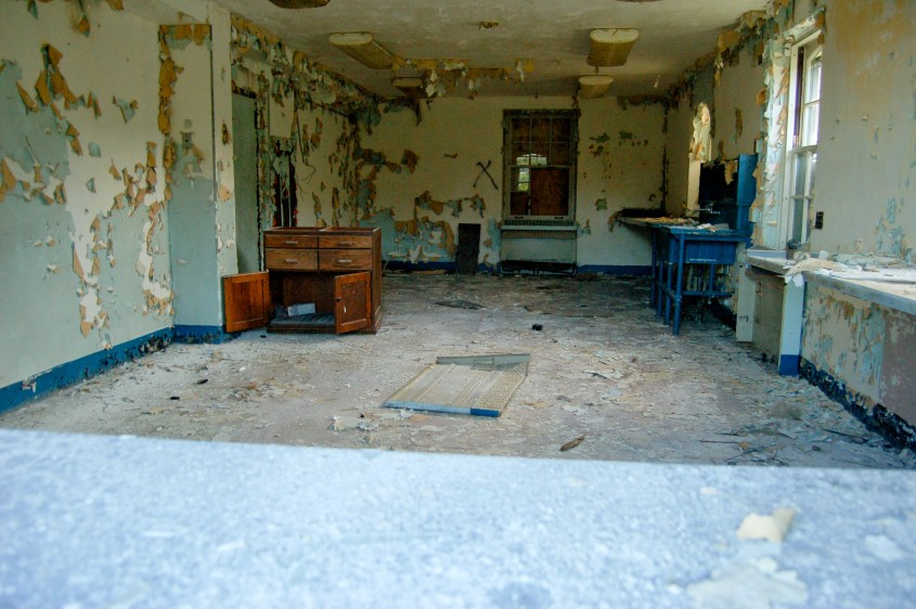 seaside-sanitorium-inteiror