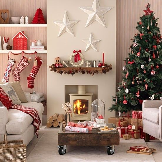 red-christmas-decor